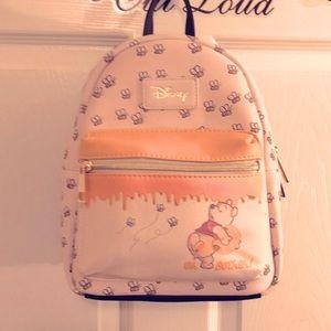 Loungefly Pooh Bear Bee Mini backpack NWT